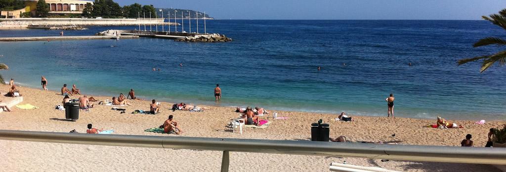Playa de Larvotto en Mónaco